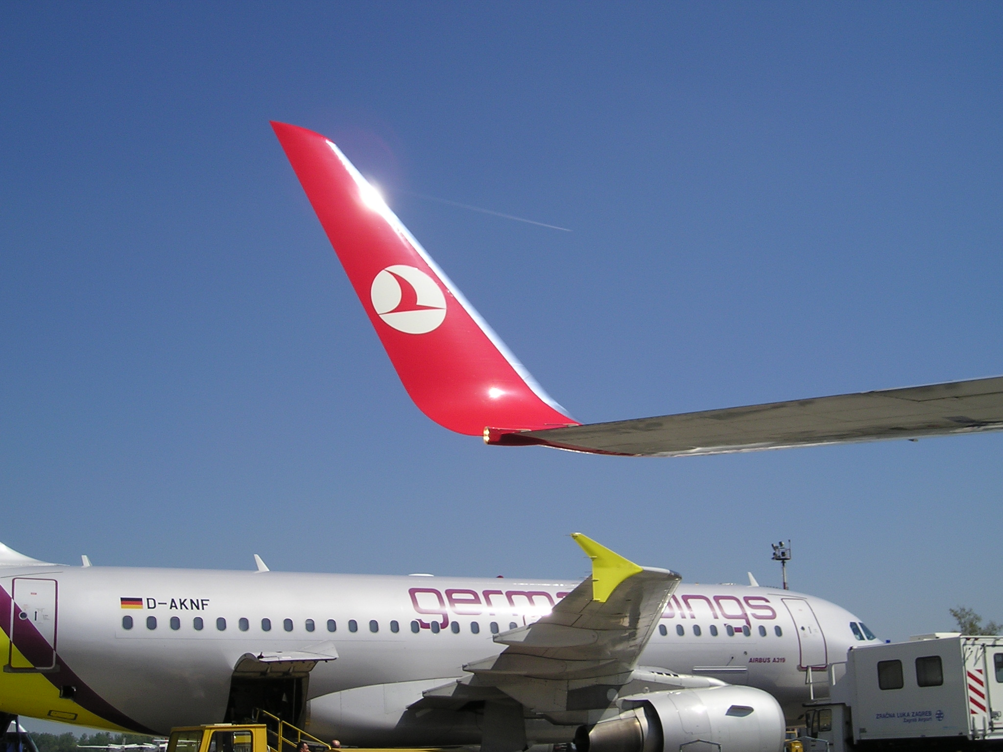 low cost 737 800