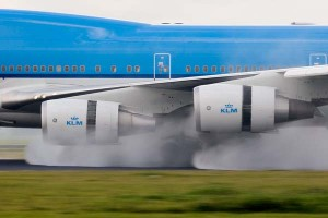 reverse-thrust