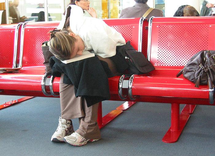 come-dormire-in-aeroporto